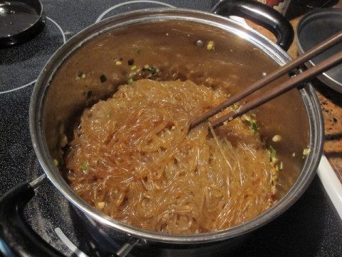 Glass noodle with seasoning sauce